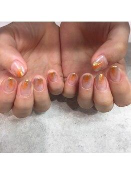 クオーレ(Cuore)/秋カラーで塗りかけネイル