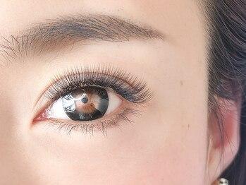 アイラッシュサロン ルル(Eyelash Salon LULU)の写真/大人気☆リュクス感MAXのボリュームラッシュで上品な大人のボリュームEYEに!物足りなさを感じてる方にも♪