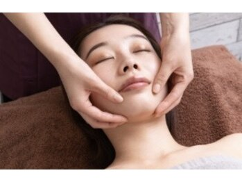 サロンドレイジュ(Salon de Reiju)の写真/大人女性の肌悩みに対応☆年々気になる【シミ・シワ・たるみ】をケア!貴女の肌に適したコースをご提案!