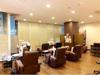 ネイルサロンアジアン 国際通りカーゴス店(Nail Salon Asian)(沖縄県那覇市)