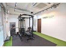 リサイン アンド コト(LISGN&COTO)の雰囲気(広々と開放的なスペースでトレーニングが出来ます。)