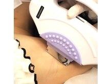 レネットサロン(Reinette Salon)の雰囲気(step2ワックス後に抑毛美容ジェルを塗布最新式脱毛機をあてます)