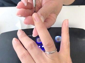 ルアナ(LUANA)の写真/爪に優しいノンサンディングジェル使用!!甘皮ケアも丁寧に行うので乾燥知らずの綺麗な指先が維持できます♪