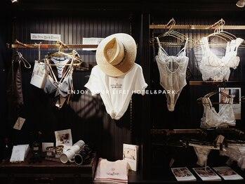 ホテルアンドパーク(HOTEL&PARK.)/Lingeries and Bikinis
