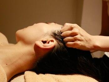 ユーフォリア(Euforia)の写真/背中,肩首,デコルテ,顔ツボまで◎【ヘッド&上半身リンパ60分¥5900】自律神経を整え、睡眠の質も高まる*