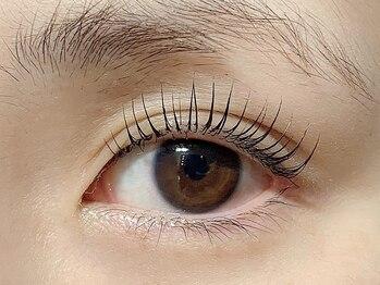 アイリス(Eye Ris)の写真/【まつ毛パーマ¥3300/パリジェンヌ¥6050/ マツエク60本¥3850~】お好みに合わせてメニューをご提案☆
