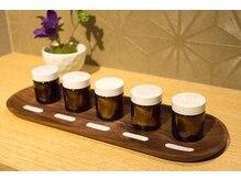 リラックス スマーク伊勢崎店の雰囲気(30種類のオイルを用意しています。1月のお勧めはマンダリンです)