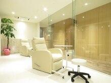 ビラクゼーションスタイル アエル(Bealaxation Style AER)の雰囲気(ネイルの施術スペースです♪)