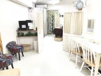 ジョリ バイ マニアンドペディ 元町店(JOLIE by Mani&Pedi)(兵庫県神戸市中央区)