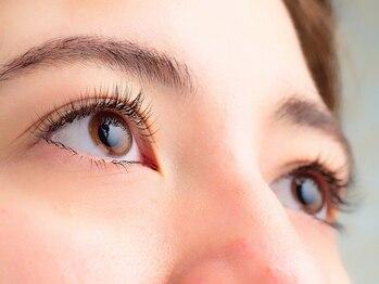 アイズプロフェッショナル(eyes professional)の写真/こだわりの商材×高い技術力で今までで最高のモチを実現!取れやすい方はぜひ当店にご相談ください♪