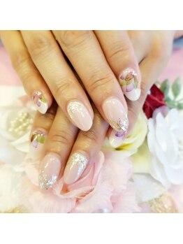 トリーシア(Nail & Beauty Salon Tri-xia)/大人フラワー