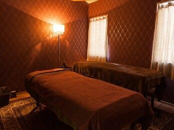 エステサロンケードット(Esthetic Salon K.)の写真/ヨーロピアンラグジュアリーな空間でフェイシャルからフットケアまで極上のひと時を♪