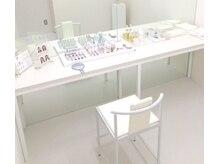カマタ メイクアップサロン 大阪店の雰囲気(プライベート空間でレッスン。【VISAGE】を使用。持ち込みもOK)