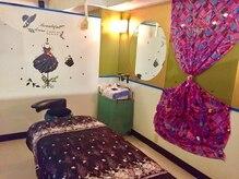 リラクアンドブライダル ル コトン(Le Coton)の雰囲気(可愛い雰囲気の施術室です。)
