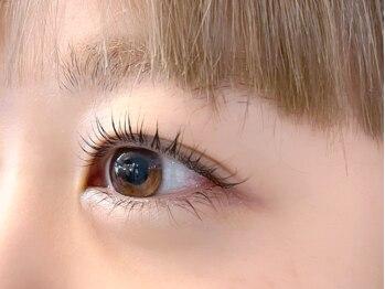 ダフネ(DAFNE)の写真/眉毛まつパ専門店■プロが提案する眉とまつ毛のSETメニュー!【眉&額Wax+パリジェンヌラッシュ(1回)¥9900~】