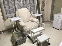 ネイルサロン ヴィヴィ(nail salon ViVi)の雰囲気(フット専用の個室も用意。手足同時も可能(お電話でご申告下さい))