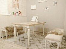 デザインケー 泉中央店(design K)の雰囲気(フレンチ&イタリアンのアンティーク家具でまとめた大人サロン!)