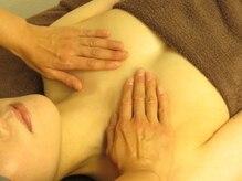 リバイブ(REVIVE)の雰囲気(大きさ・左右差・垂れの悩みを筋膜リリースと光照射で改善へ導く)