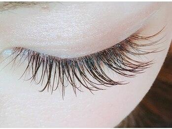 ネイルアンドアイ ミント(nail&eye mint)の写真/【ネイル&まつ毛エクステの同時施術可能!】ボリュームUPしたいあなたに嬉しい本数無制限!技術力の高さ◎