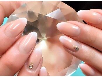 アバネイル 彦根店(AVA NAIL)の写真/シンプル上品な指先であなたの魅力をUP♪爪を派手に出来ない方も◎親切丁寧な接客&技術に自信あり♪