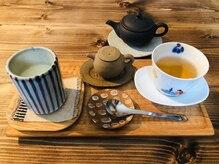 ルルブ(LuLub)の雰囲気(施術の後は、ほうじ茶と手作り豆腐をお召し上がりください。)
