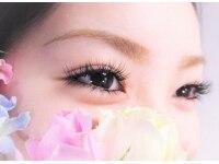 リュクスプラス(eyebeauty LeLuxe+)