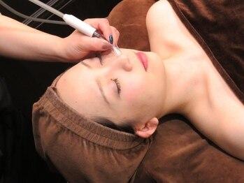 バーバーサロン カズヘアー(KAZU HAIR)の写真/黒ずみ毛穴は産毛が原因【美白/毛穴除去】美肌シェービング♪顔うなじ+美白クレイマスク+小鼻ケア4950円
