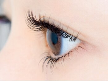 まつげエクステ専門店 アイラッシュ ティーズ 綾瀬店(eyelash T's)の写真/【どの角度から見ても綺麗な目元に】ナチュラルブラウン充実♪髪色や瞳に合わせて自然な目元♪