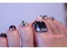 ワイオリネイルズ(wai'oli nails)/秋冬のフットネイルにも♪