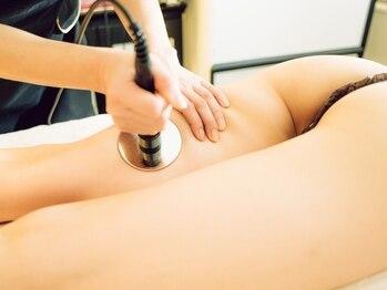レビア(REVIA)の写真/新陳代謝UP☆筋肉と骨の深部まで加熱できる高周波ラフォス使用!深部まで温められるので、保温効果◎