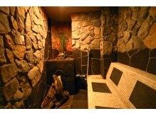 エイチ ツー オー 京橋店(H2O)の雰囲気(30種類以上ものミネラルが放出されている溶岩浴でお肌ツルツル)
