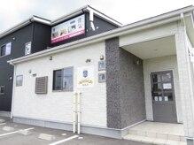 KANコルギセラピー 新潟店の雰囲気(入口はこちら♪駐車場も3台分ございます。)