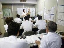 静岡療術整体院の雰囲気(講師としても活躍する先生方。知識・経験共に豊富で信頼できる!)