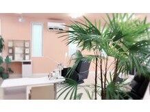 ネイルアンドアイラッシュサロンブレス 寒河江店(BLESS)の雰囲気(ネイル&マツエク共にリクライニングソファーでゆったり施術♪)