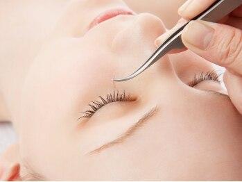 アトリエミシェル(Atelier Michel)の写真/地まつげに負担をかけないよう毛周期を見極めるプロの施術◎さらに長持ちする秘訣…コーティングが無料♪