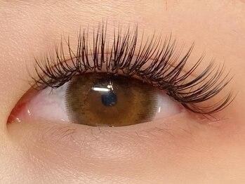 アイラッシュバイファニックスタイルジー(Eyelash by FUNIC style-G)の写真/<最新特許技術バインドロック>史上最高の持続性と濃さが特徴