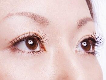 ティアラ 三ノ宮店(tiara)の写真/「傷んで抜けやすい」「ボリュームが出ない」「下向きまつ毛」etc.まつ毛のあらゆる悩み、ご相談下さい♪