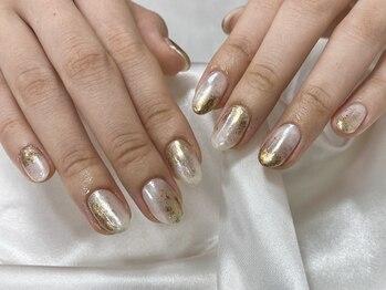 off white × gold