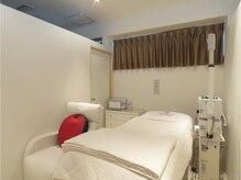 キレイなサロン内…☆個室の施術ルームで贅沢なお時間をどうぞ。
