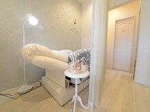 アイラッシュサロン エトワール(Etoile)の雰囲気(施術スペースはカーテンで仕切られております♪)