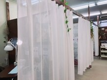 施術スペースは個室なので他のお客様との接触はほぼありません。