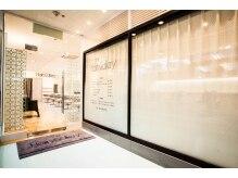 ヘアーズ ギャラリー 堺高島屋店(Hairs Gallery)