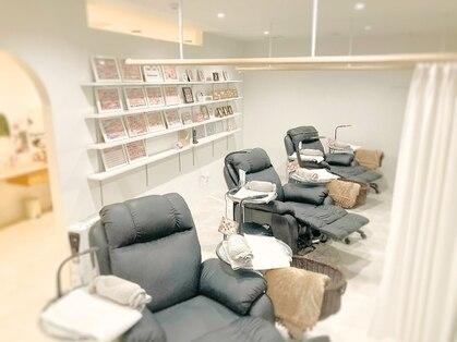 ラグジュアリーネイルサロン ブレス 仙台クリスロード店(Luxury Nail Salon BLESS)の写真