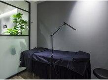 ルシーダ 新宿(lucida shinjuku)の雰囲気(低反発のベッドで施術中もぐっすり♪)