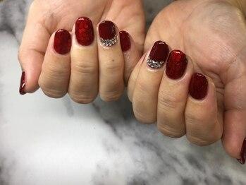 ネイルサロンブラン(nail salon BLANC)/赤のホログラムネイル