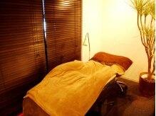オンシジューム ゼフィール アイラッシュ 西心斎橋店(Oncidium zephyr eyelash)の雰囲気(居心地抜群の低反発ベッド。寝てしまう人もいるほどふかふか♪)