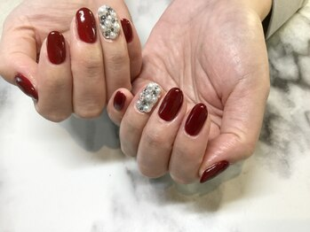 ネイルサロンブラン(nail salon BLANC)/赤とキラキラのネイル
