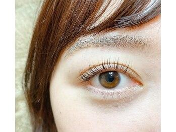 カリネ バルバロ アイラッシュ ネイル(caliner BARBARO eye lash nail)の写真/話題の『パリジェンヌラッシュリフト』導入店!根元から自まつ毛を立ち上げる次世代まつ毛パーマ!