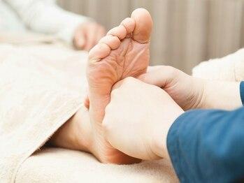 からだメンテナンス楽氣の写真/足裏のツボ押しに加えふくらはぎ~脚部全体までケアし脚のむくみを解消致します♪