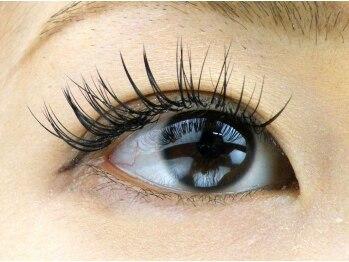 ヴェルデ エステティックアンドアイラッシュ 川崎店の写真/セーブル使用のまつ毛エクステ付け放題コースで、どこから見てもボリュームたっぷりの美しい瞳に変身!!